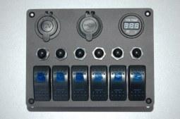 Console 6 interrupteurs + disjoncteurs + voltmètre + prise allume cigare + 2 USB